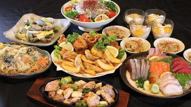 マルハチ商店 - 料理写真:春の2000円コース(鍋なし)