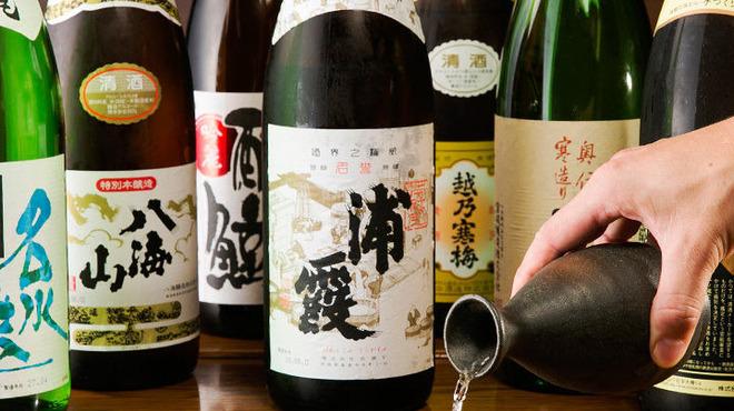 かんかん商店 - ドリンク写真:生ビール、日本酒、焼酎、酎ハイ・サワー、果実酒、ワインと幅広く充実した飲み放題メニュー。人気のハイボールも飲み放題!!男女・幅広い世代が入り交ざったご宴会の幹事様もご安心のラインナップです。!生ビールはプレモルです!他店と違い当店は発泡酒は使ってません!