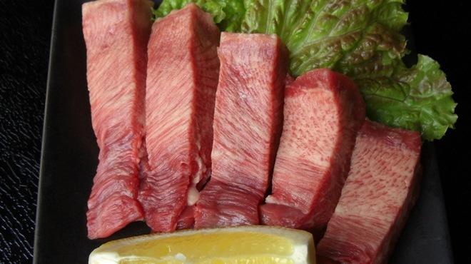 肉処 でべそ - メイン写真: