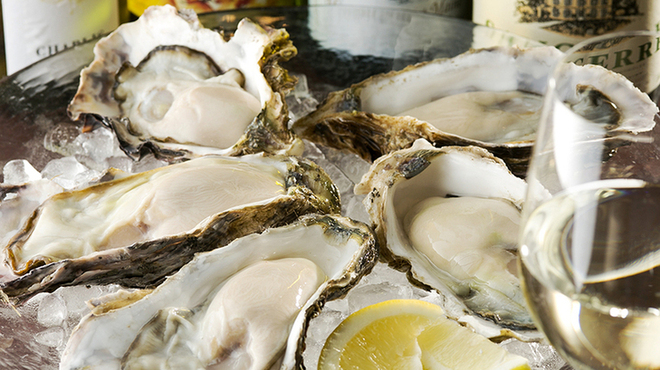 オイスター&ワイン 牡蠣屋バル - メイン写真: