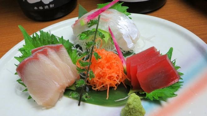 炙谷 - 料理写真:炙谷名物選べる刺身三種盛り
