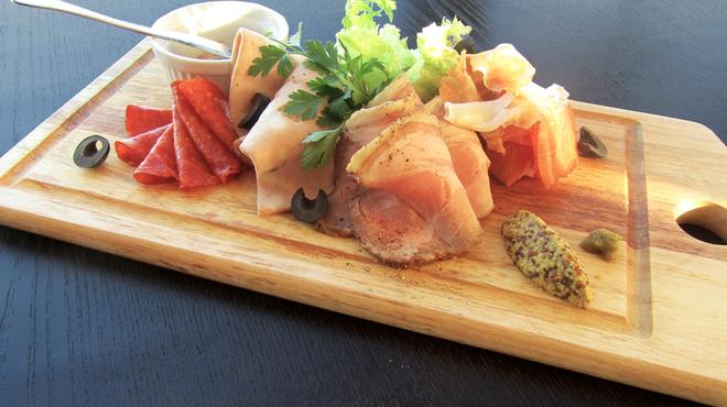 R レストラン&バー - 料理写真:シャルキュトリー ~ソムリエのおつまみ~