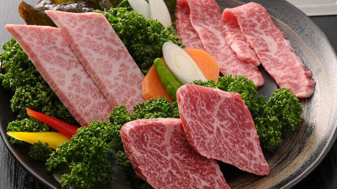 焼肉 もとやま - 料理写真:今宵の神戸牛三彩