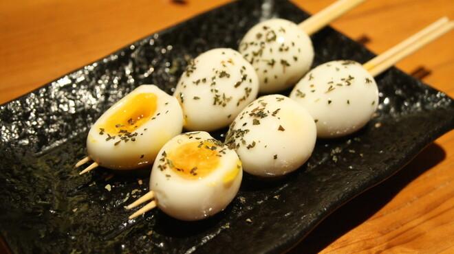 まるいち - 料理写真:とろ~り半熟卵串は必食