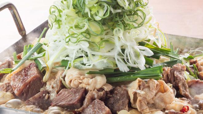 甘太郎 - 料理写真:たっぷりネギの煮込み肉鍋!甘辛醤油出汁