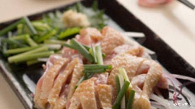 牛ちゃん - 料理写真:地鶏刺し