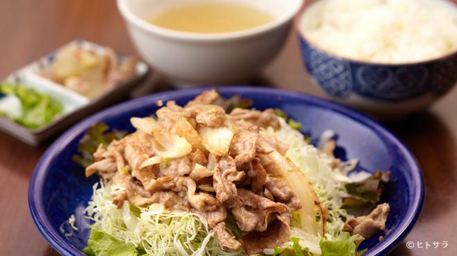 島牛 - 料理写真:ランチメニュー 「自家製塩ダレのあぐー塩生姜焼き定食 850円」