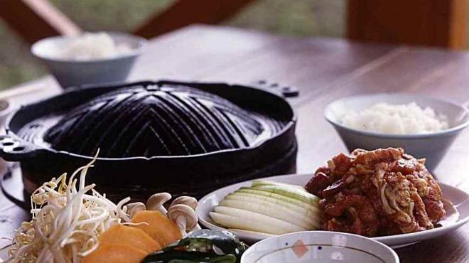 ひつじの丘 - 料理写真:ミシュランおすすめのジンギスカン、他店とは違う味わいが評価されました。