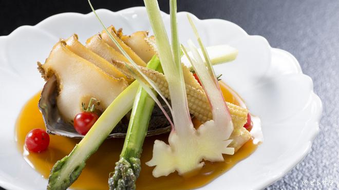 駒龍 - 料理写真:極上の海の幸を『鮑ステーキ』