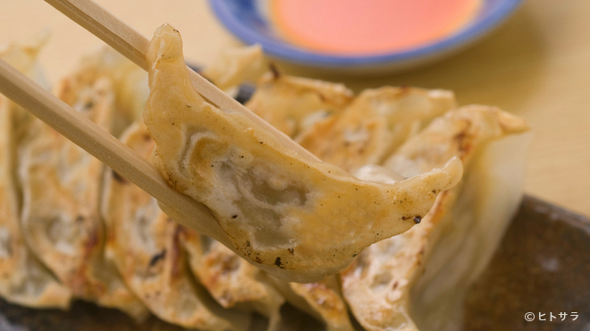 まるげん - 料理写真:外はカリッ、中はジューシー『餃子』