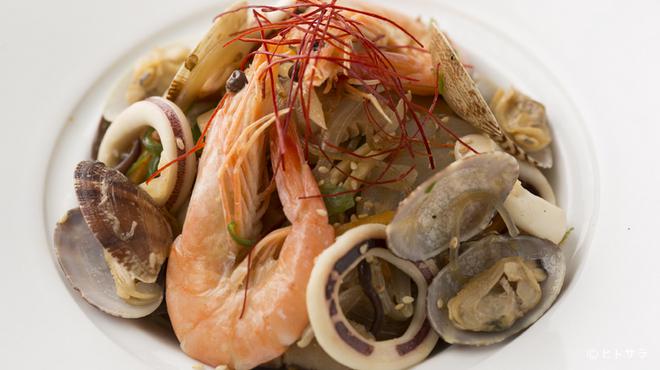 天壇  - 料理写真:海鮮チャプチェ