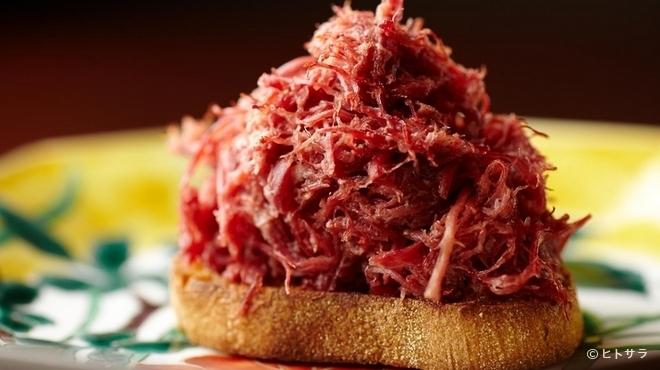 加藤牛肉店 - 料理写真:口に入れるだけでとろけてしまう『コンビーフ』