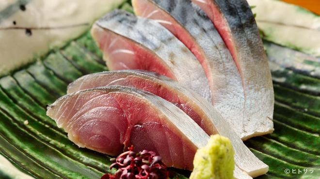 正音 - 料理写真:日本酒と相性抜群! 自家製『〆鯖』