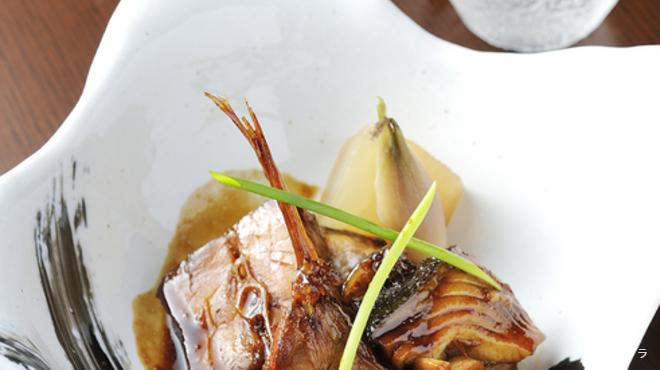 甚伍朗 - 料理写真:地魚に合うお酒も、とびきりのものを厳選