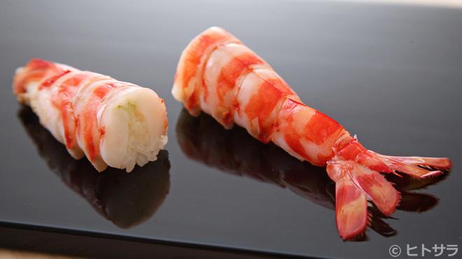 鮨 ます田 - 料理写真:香り、甘みの強い別府の天然ものを使用した『車海老』
