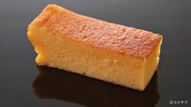 鮨 ます田 - 料理写真:滑らかな口触り、濃厚ながらさっぱりした後味の『玉子焼き』
