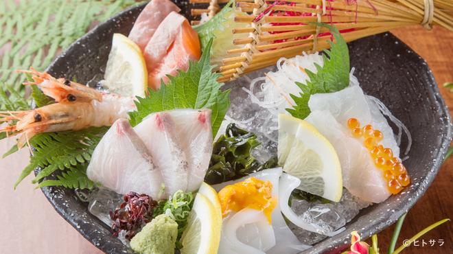 和創酒膳 零 - 料理写真:新鮮な海の幸を味わえる一皿『お刺身5点盛り』