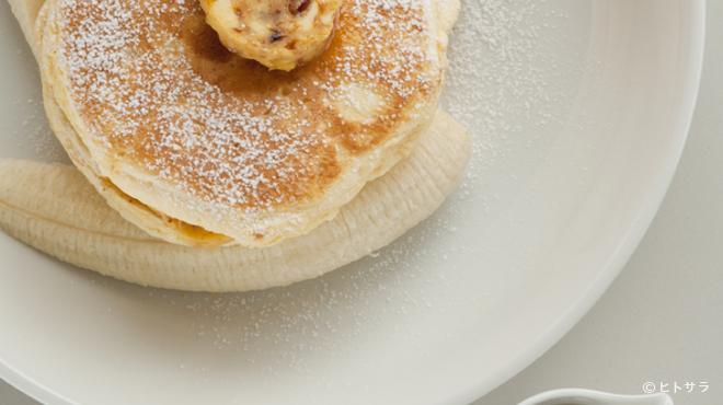 bills - 料理写真:リコッタパンケーキ w/フレッシュバナナ、ハニーコームバター