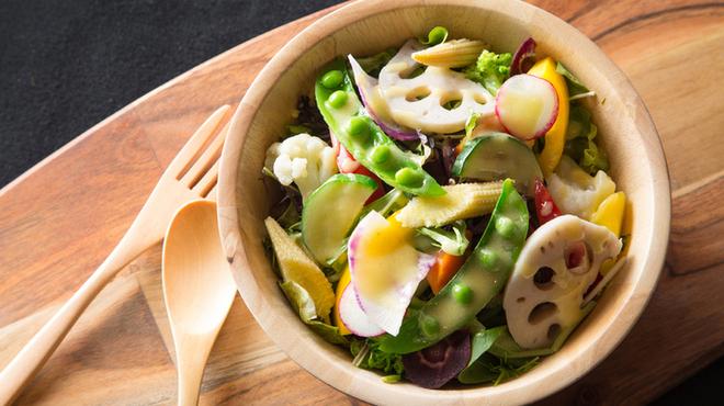 フレッシュチーズのお店 rocco - 料理写真:roccoサラダ