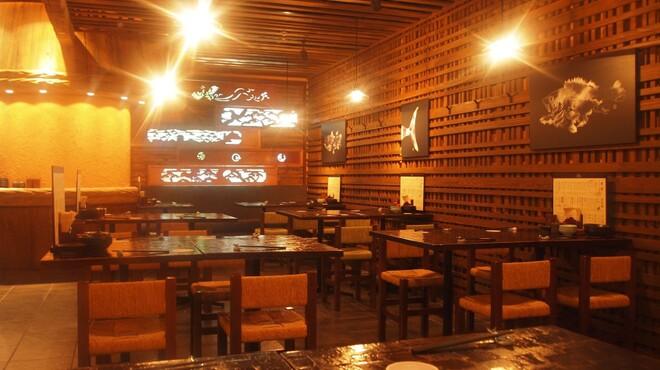 魚や 六蔵 - 内観写真:【テーブル席】最大60名様まで貸切可能♪