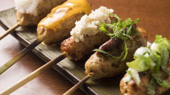 鳥彦 - 料理写真:人気のつくね5種(チーズ・おろし・梅しそ・旨ねぎ・芽室産山わさび)人気メニューです。
