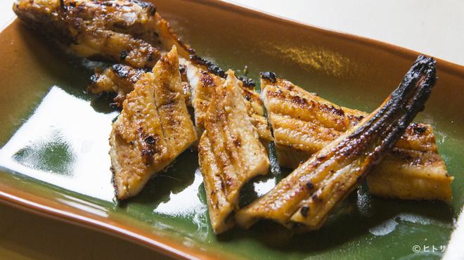 炭焼あなご やま義 - 料理写真:美味しさの秘訣は手間暇かけたつくり方、愛情伝わる味わい