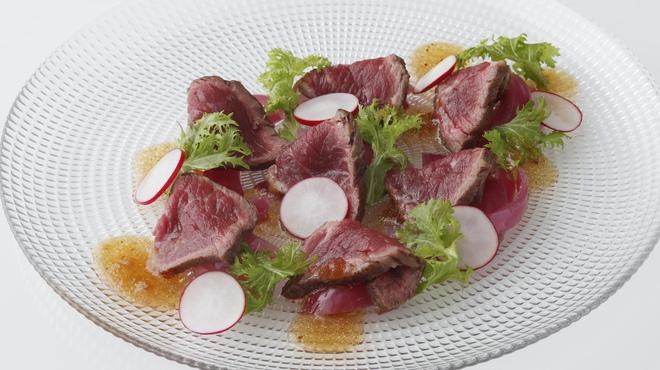 ガンボ&オイスターバー - 料理写真:牛ランプ肉のタリアータ