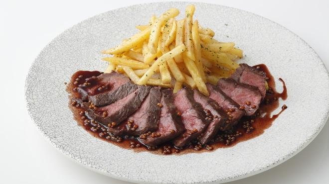 ガンボ&オイスターバー - 料理写真:牛ミスジステーキ タスマニア産マスタードソース