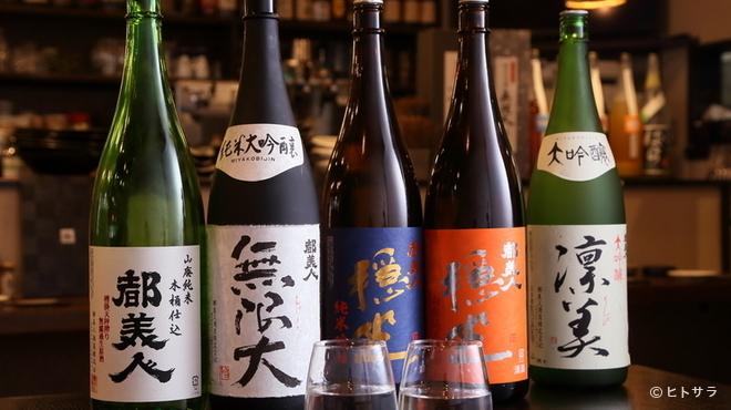 淡路島ええとこどり - ドリンク写真:こだわりのお酒が種類豊富。お気に入りを探してみる楽しみも