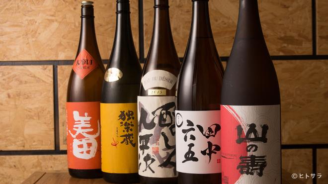 天神たんか - ドリンク写真:焼酎だけに有らず。日本酒にもこだわり多種多様な銘柄が充実
