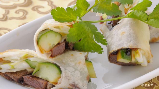 巧匠 - 料理写真:『牛肉のパイ巻仕立て』食感を楽しみながら一口で召し上がれ