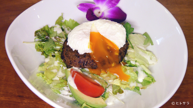 マハロア - 料理写真:ソースが絶品な『ロコモコ』
