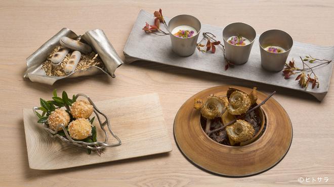 レヴォ - 料理写真:挨拶代わりとして供される、4〜5皿からなる『プロローグ』
