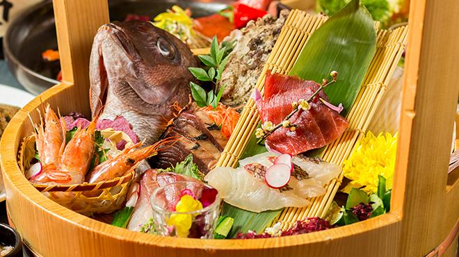 鮮魚卸直営の個室居酒屋 魚錦 - メイン写真: