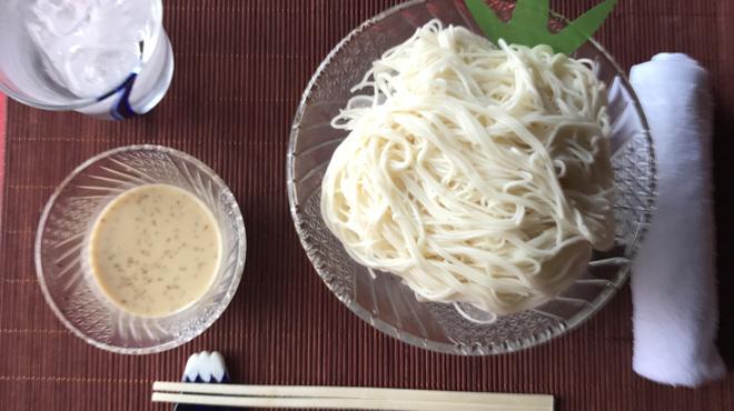 上尾そーめん きゅんきゅん亭 - 料理写真:コクと胡麻の風味が濃厚なゴマ素麺♪
