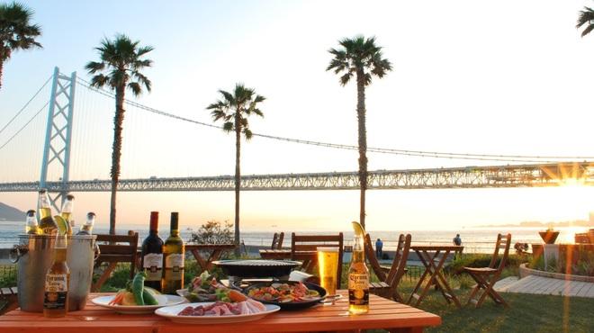 DINING ROOM IN THE MAIKO - 料理写真:明石海峡大橋が目の前の絶景ロケでBBQ