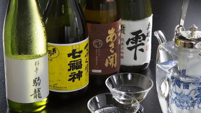 駒龍 - ドリンク写真:こだわりの地酒も