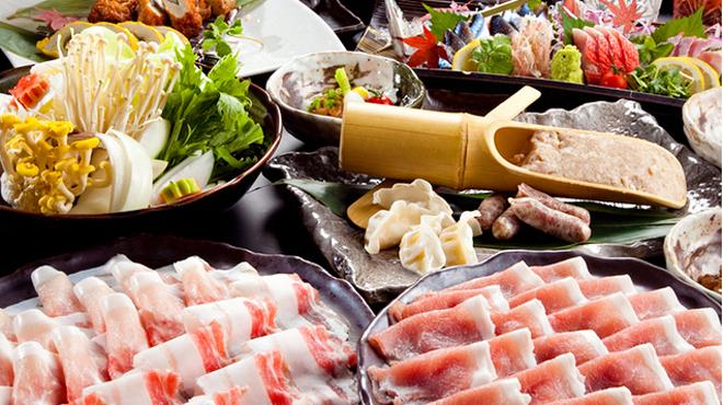 うまかぁ~黒豚と肴料理 まん - メイン写真: