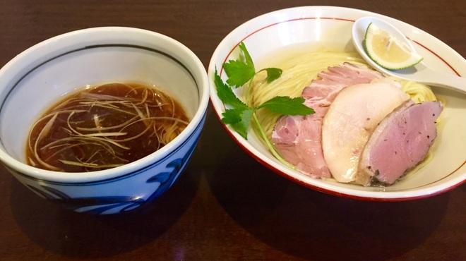 煮干中華そば鈴蘭 - 料理写真:月に数回、限定メニューもやります!