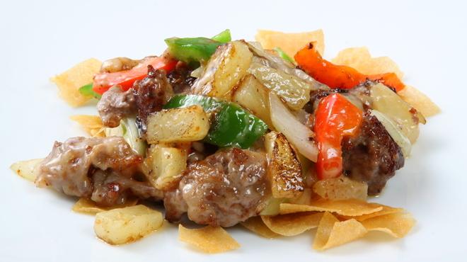 中国料理 龍鱗 - 料理写真:牛肉とパイナップルのバーベキューソース炒め