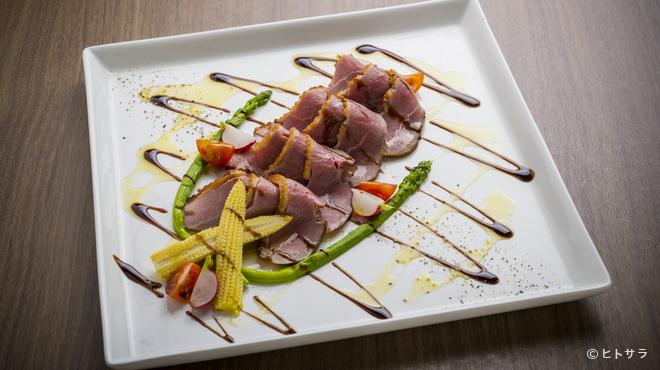 パラディッソ - 料理写真:細心の注意を払って仕上げている『特製 合鴨ロースト』