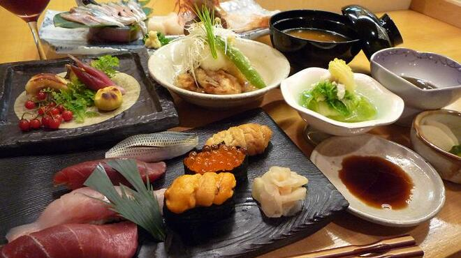 英 - 料理写真:【潮】~うしお~ 9000円  旬のおすすめ9品