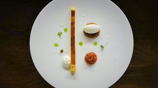 シャンペトル - 料理写真:チーズケーキ ルバーブのコンフィチュールとヨーグルトのソルベ