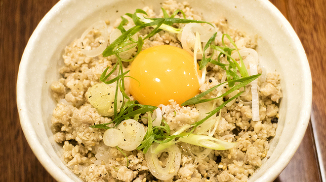 らぁめん冠尾 - 料理写真:鶏そぼろ卵飯