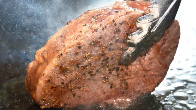 熟成肉バル ギフウッシーナ - メイン写真: