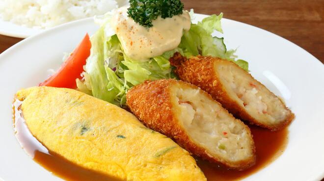 サラダの店サンチョ - 料理写真:オムコロランチ