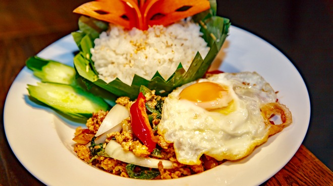 Bangkok Night - 料理写真:ガパオバイトン/ガパオライス