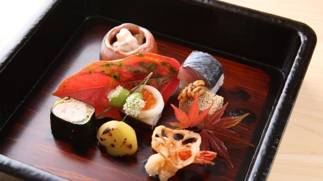 津の守坂 小柴 - 料理写真:彩肴
