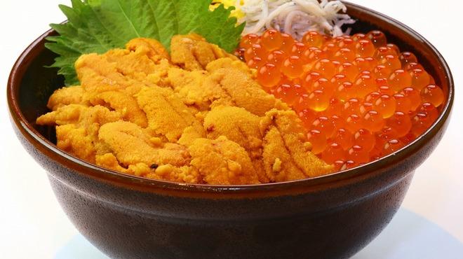 鮮宴丼ひろし - 料理写真:大粒イクラと生うに丼