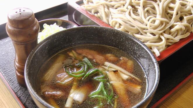 たちばな - 料理写真:滝川産合鴨を使用。よくだしが出て臭みがなく、そばつゆと南蛮ネギによくあう